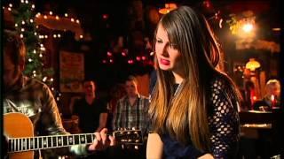 """Aoife Scott - performs """"Oíche Chiúin"""" on An Nollaig Linn"""