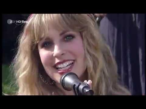 Blackmore's Night - 'Highland' (ZDF Fernsehgarten 2010)