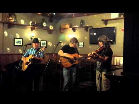 The Boston Harbor Bhoys - Wild Mountain Thyme (live)