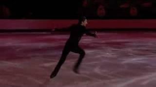 Evan Lysacek Skates to music from Rise