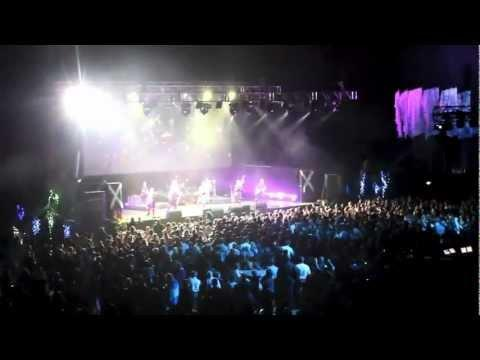 Red Hot Chili Pipers - 100 Pipers - Vector Arena, New Zealand