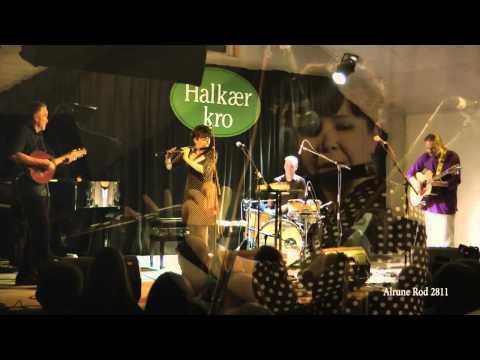 2012 Nuala Kennedy Band Live