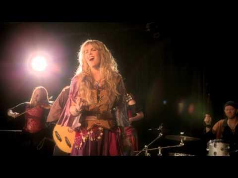 Blackmore's Night - 'The Moon Is Shining (Somewhere over the Sea)'