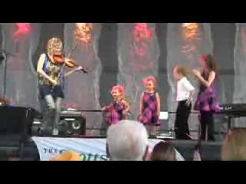 Natalie MacMaster - Natalie MacMaster and her kids, 2013 Dublin Irish Festival